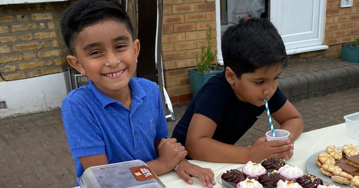 Six-Year-Old Best Friends Sell Lemonade To Raise £40,000 For Yemen