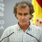 Fernando Simón sorprende con su nueva mascarilla: un famoso es el