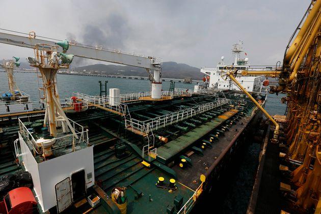 Η Ουάσιγκτον επιβεβαιώνει την κατάσχεση ιρανικού πετρελαίου από 4 τάνκερ με προορισμό τη