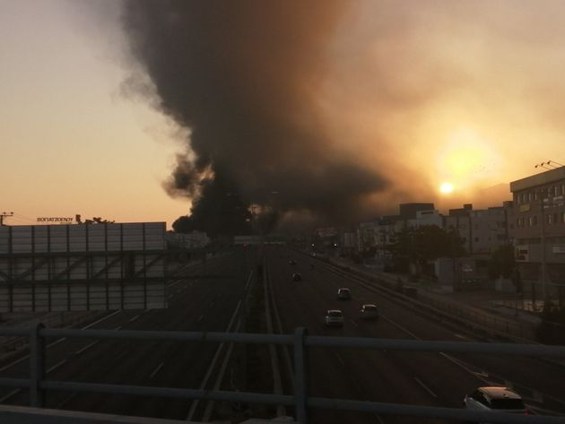 Μεγάλη πυρκαγιά σε εργοστάσιο πλαστικών στην