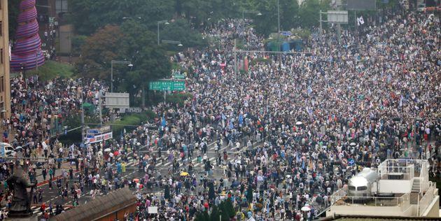 15일 보수단체 회원들이 광화문 일대에서 집회를 열고