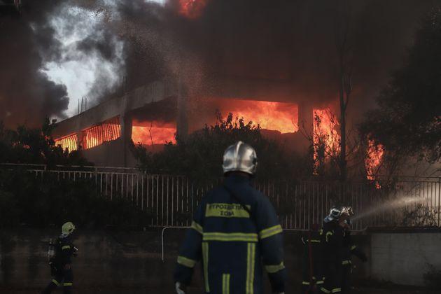 Εικόνες Αποκάλυψης από τη φωτιά στην
