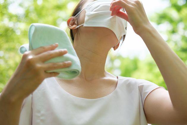 熱中症対策、何が必要? 「マスクは人と2m以上離れていたら外して」