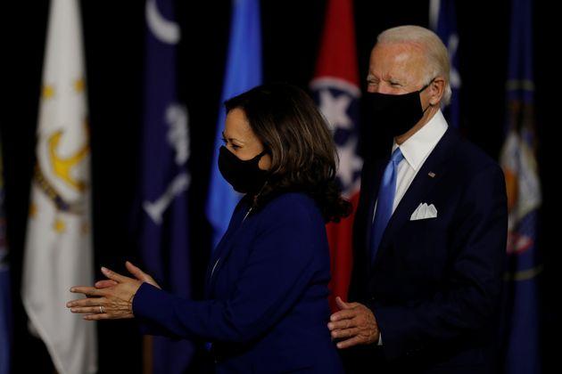 Le futur candidat démocrate Joe Biden, et sa colistière, la sénatrice Kamala Harris,...