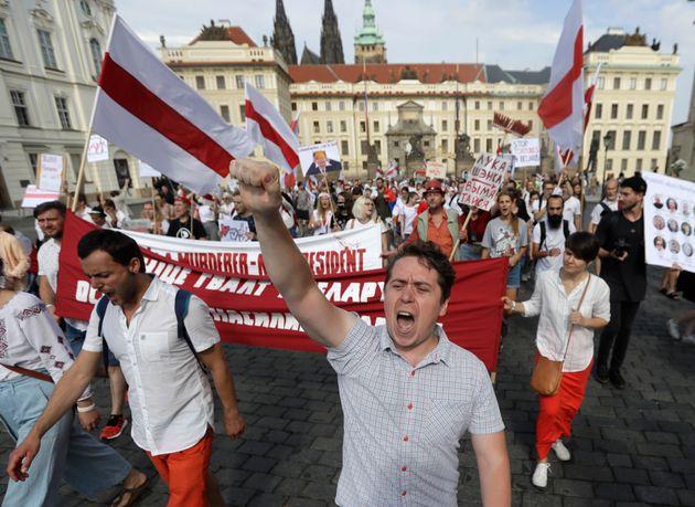 Λευκορωσία: Ο Λουκασένκο περιμένει βοήθεια από τον Πούτιν - Χιλιάδες διαδηλωτές εναντίον