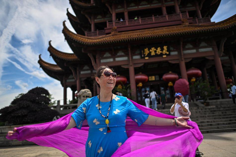 De turismo por Wuhan.;