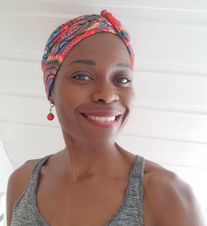 Nina Guéneau, sage femme, réagit au débat sur les soignants noirs pour les patients noirs.