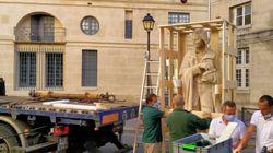 Non, la mairie de Paris n'a pas fait déboulonner une statue de