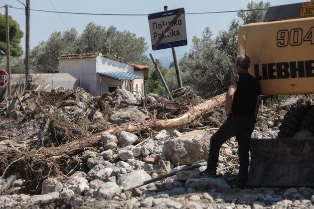Εύβοια: Ζημιές σε 1.706 κτίρια από τη φονική