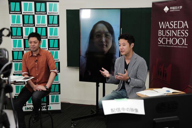 左から、竹下隆一郎編集長、オードリー・タン台湾デジタル担当大臣・入山章栄教授