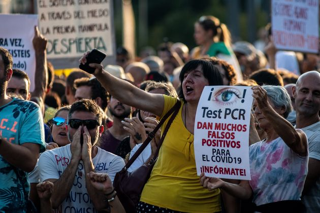 Manifestación contra el uso de la mascarilla en Madrid, el 16 de