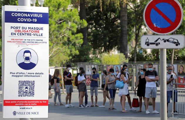 En France, le taux de tests positifs est de plus en plus important, et le nombre de cas détectés...