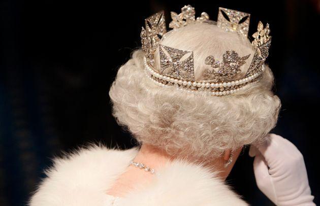 La reina británica Isabel