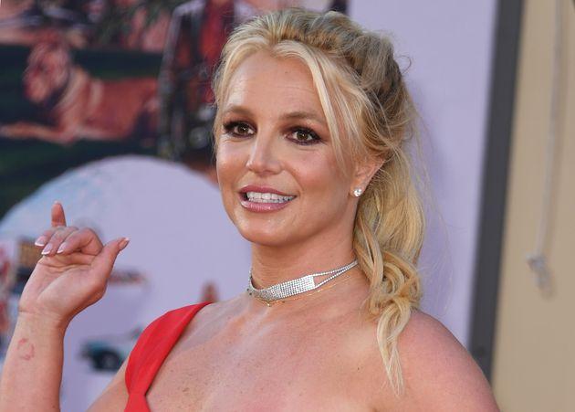 Britney Spears a demandé au tribunal de ne plus être sous la tutelle de son