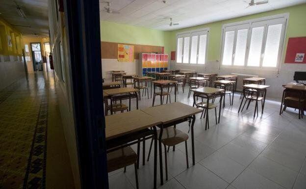 Escuela vacía por el