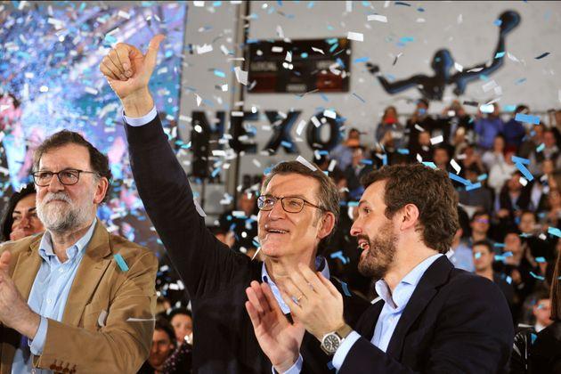 El expresidente del Gobierno, Mariano Rajoy, el presidente del PP, Pablo Casado, y el presidente de la...