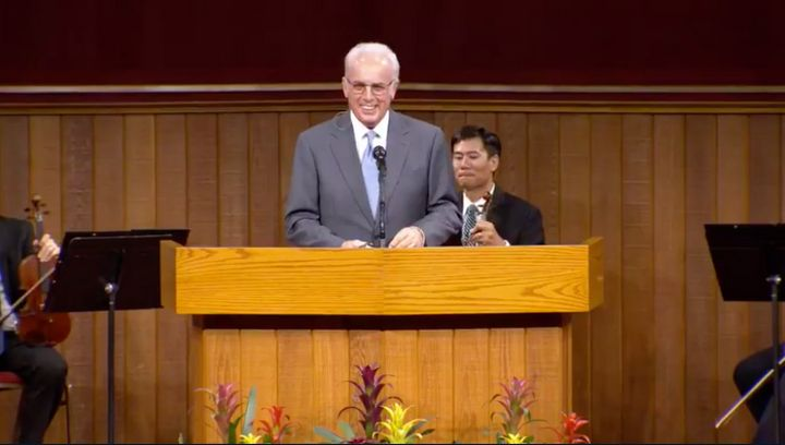 John MacArthur, the lead pastor at Grace Community Church, speaks to the congregation on Aug. 16.