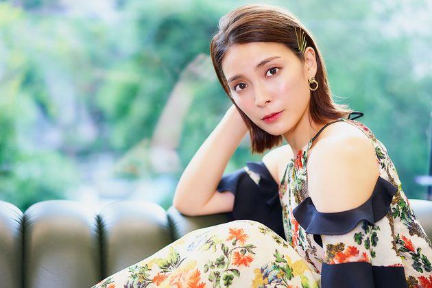 ピンクのドレスが似合わなかった。秋元才加さんのコンプレックスと自信。