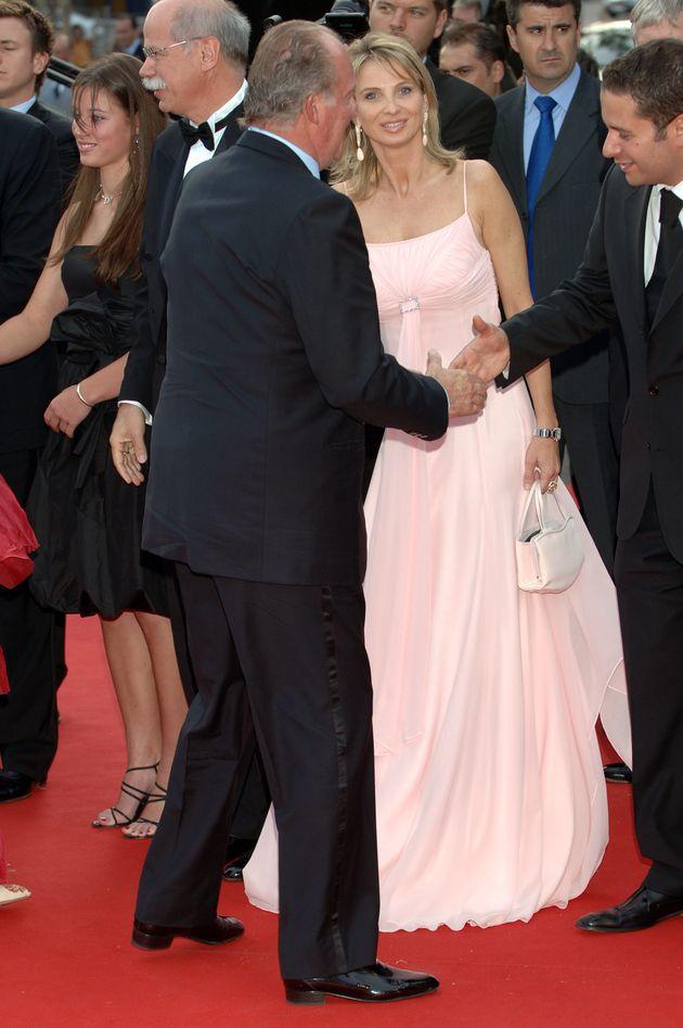 El rey Juan Carlos, con Corinna zu Sayn-Wittgenstein al fondo, en el acto de los Laureus Sports Awards...