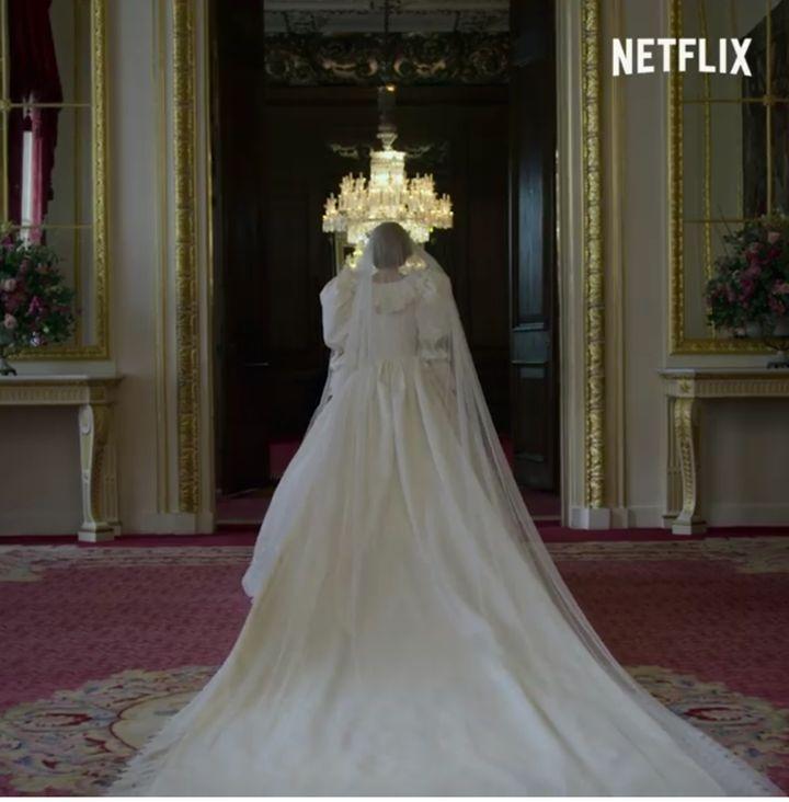 Emma Corrin como Diana de Gales en 'The Crown'.