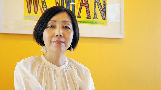 浜田敬子さん/ 1989年に朝日新聞社入社。99年からAERA編集部。その後、AERA初の女性編集長に就任。その後、朝日新聞社総合プロデュース室プロデューサーとして、「働く×子育てのこれからを考える」プロジェクト「WORKO!」や「働き方を考える」シンポジウムなどをプロデュース。2017年より世界17カ国に展開するオンライン経済メディアBusiness