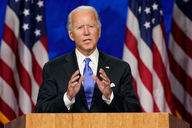 조 바이든이 미국 민주당 대선후보직 수락연설에서 도널드 트럼프 대통령을 비판하며