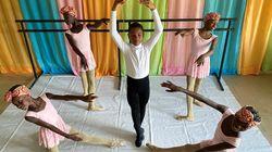 Ο μικρός Νιγηριανός που έγινε viral χορεύοντας στην βροχή κέρδισε υποτροφία για το American Ballet