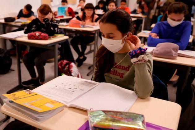 Sala de aula em uma escola de Boulogne-Billancourt, perto de Paris, em 22 de