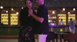 John Travolta balla con la figlia, in ricordo della moglie morta di