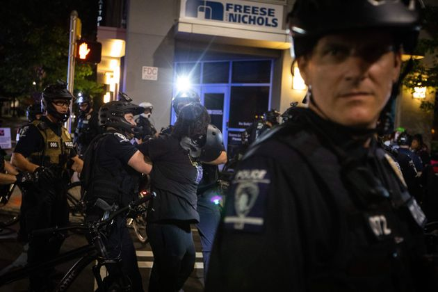 Polizia Usa spara e uccide afroamericano in
