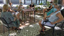 Murcia restringe las reuniones en el ámbito público y privado a 6