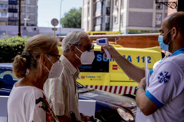 La insolidaridad de la pandemia: por qué hay gente que oculta el