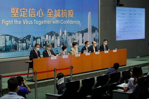 Χονγκ Κονγκ: Ερευνητές εντόπισαν το πρώτο επιβεβαιωμένο κρούσμα επαναμόλυνσης από τoν