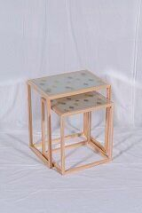 愛媛県が贈った伊予生糸を使用した絹ガラスのネストテーブル