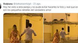 El gesto de un joven con su novia que arrasa en Twitter: hay que mirar a la parte
