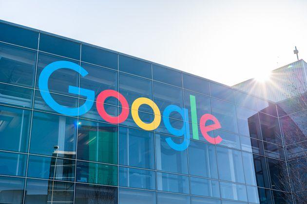 Google lancia la sua università online: una laurea in 6