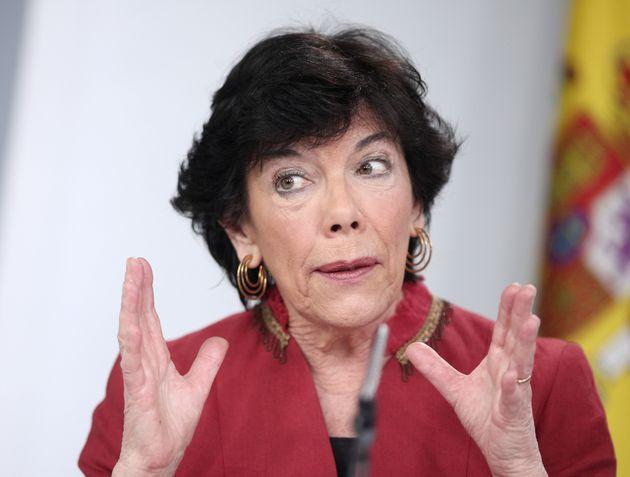 La ministra Isabel Celáa, el 3 de marzo de 2020 tras el Consejo de Ministros (Eduardo Parra/Europa...