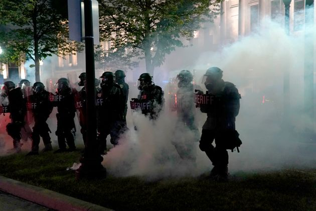 ΗΠΑ: Δύο νεκροί από πυρά εν μέσω των διαδηλώσεων στην