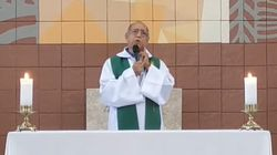 Un sacerdote desea la muerte a los católicos que no van a misa por el