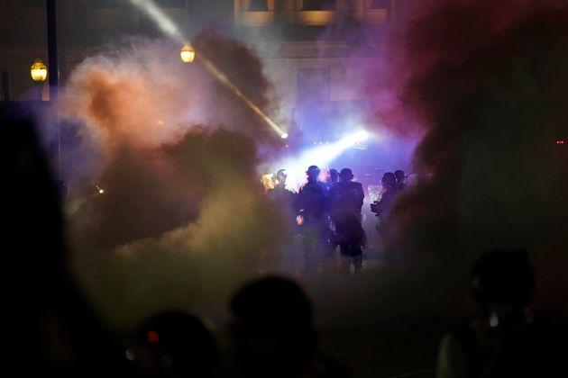 Συνελήφθη έφηβος για τους θανάσιμους πυροβολισμούς διαδηλωτών στις ταραχές στο