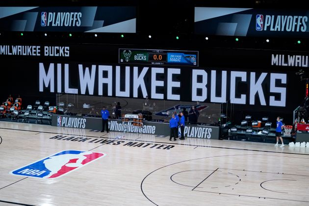 En soutien à Jacob Blake, les Milwaukee Bucks boycottent un match de