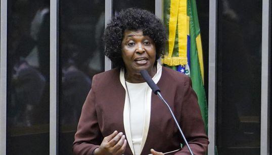Decisão do TSE impulsiona 'campanha antirracista', diz Benedita da
