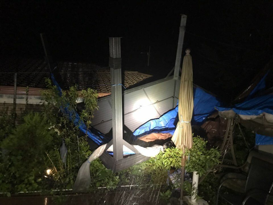 27일 오전 4시48분께 인천시 강화군 양사면 덕하리에서 태풍 바비의 영향으로 철제 구조물이 떨어져