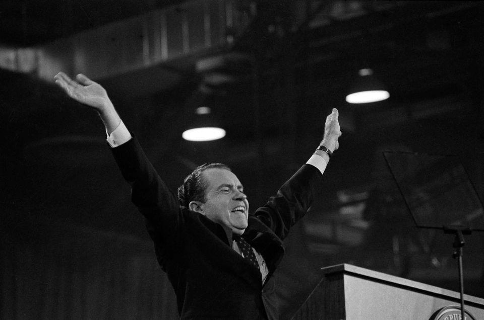 리처드 닉슨이 공화당 전당대회에서 대통령후보직 수락 연설을 하고 있다. 마이애미비치, 플로리다주. 1968년