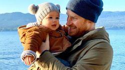 Harry e Meghan via da Buckingham Palace. Ma Archie potrebbe diventare