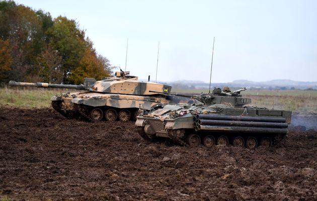 Ο βρετανικός στρατός σκέφτεται να σταματήσει να χρησιμοποιεί άρματα