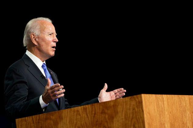 조 바이든 민주당 대선후보가 민주당 전당대회에서 연설을 하고 있다. 윌밍턴, 델라웨어주. 2020년