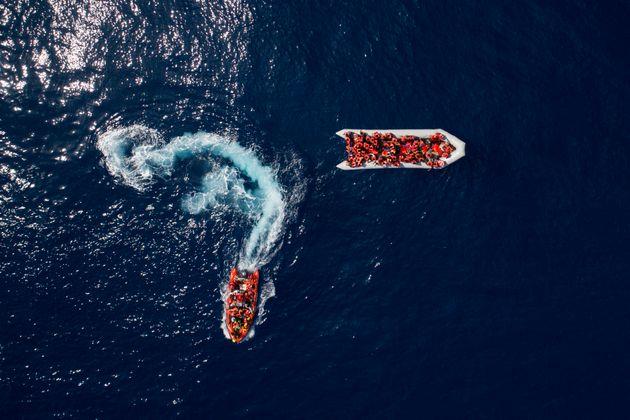 Ο Banksy χρηματοδοτεί πλοίο για τη διάσωση μεταναστών στη