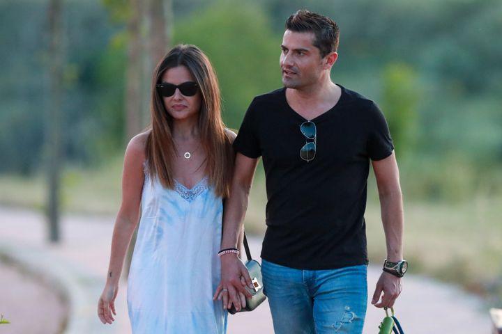 Alfonso Merlos y Alexia Rivas pasean por Madrid.