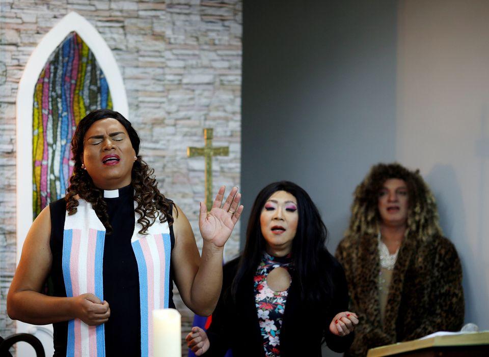 Pastora, Alexya Salvador pertence à ICM (Igreja da Comunidade Metropolitana), congregação...